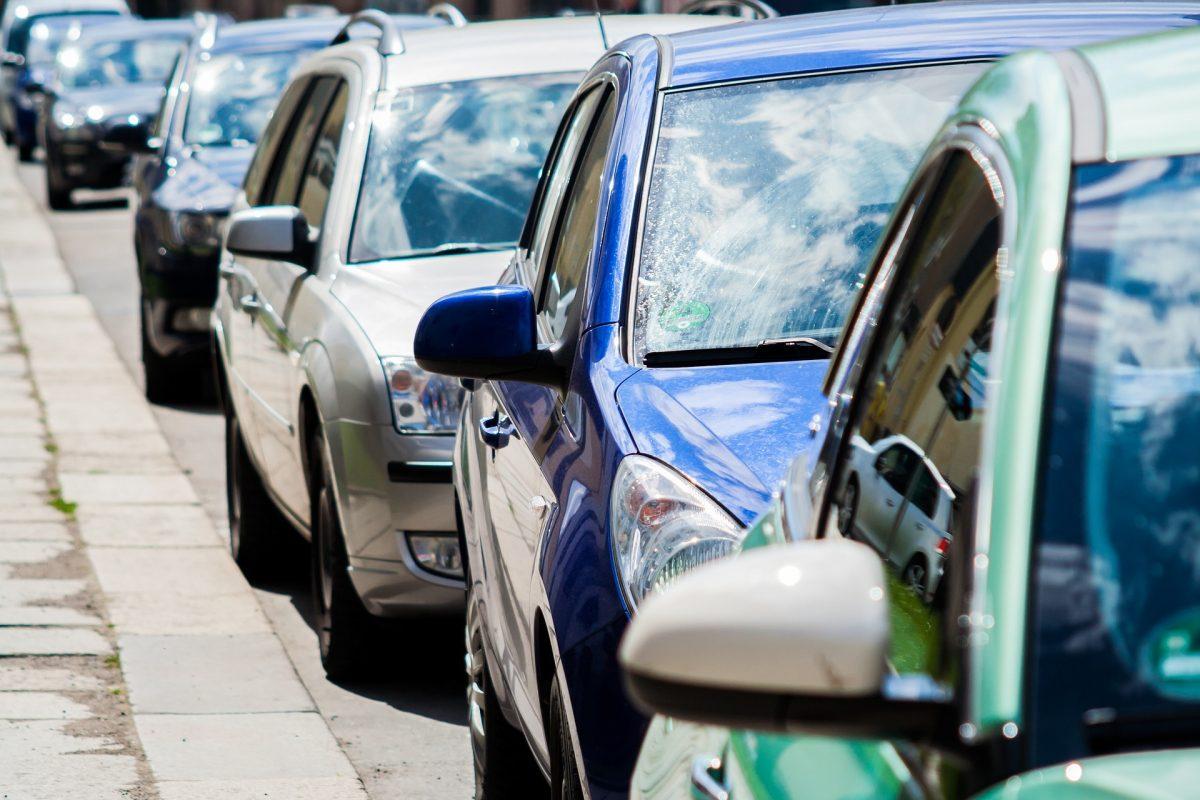 Distintivos medioambientales de la DGT: objetivo, premiar a los vehículos menos contaminantes